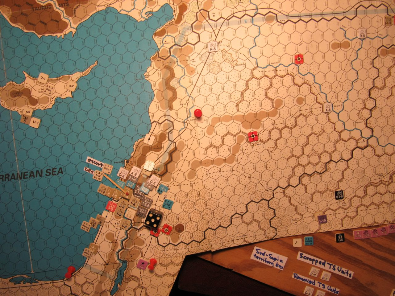Jun I 41 Axis Combat Phase: Vichy French attack agianst the Allied stack at 20A:4607